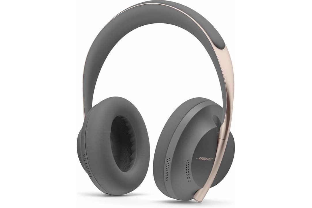 bose-noise-canceling-headphones-700